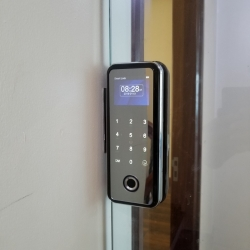 khóa cửa vân tay cho cửa kính lùa capsule c500gf