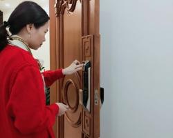 Mua khóa cửa điện tử, khóa thông minh loại nào ?